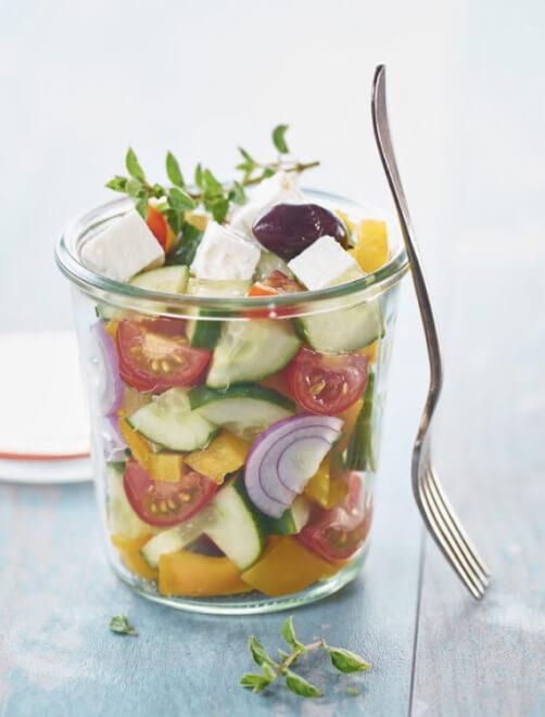 bocal melchior remplit de legumes frais et feta